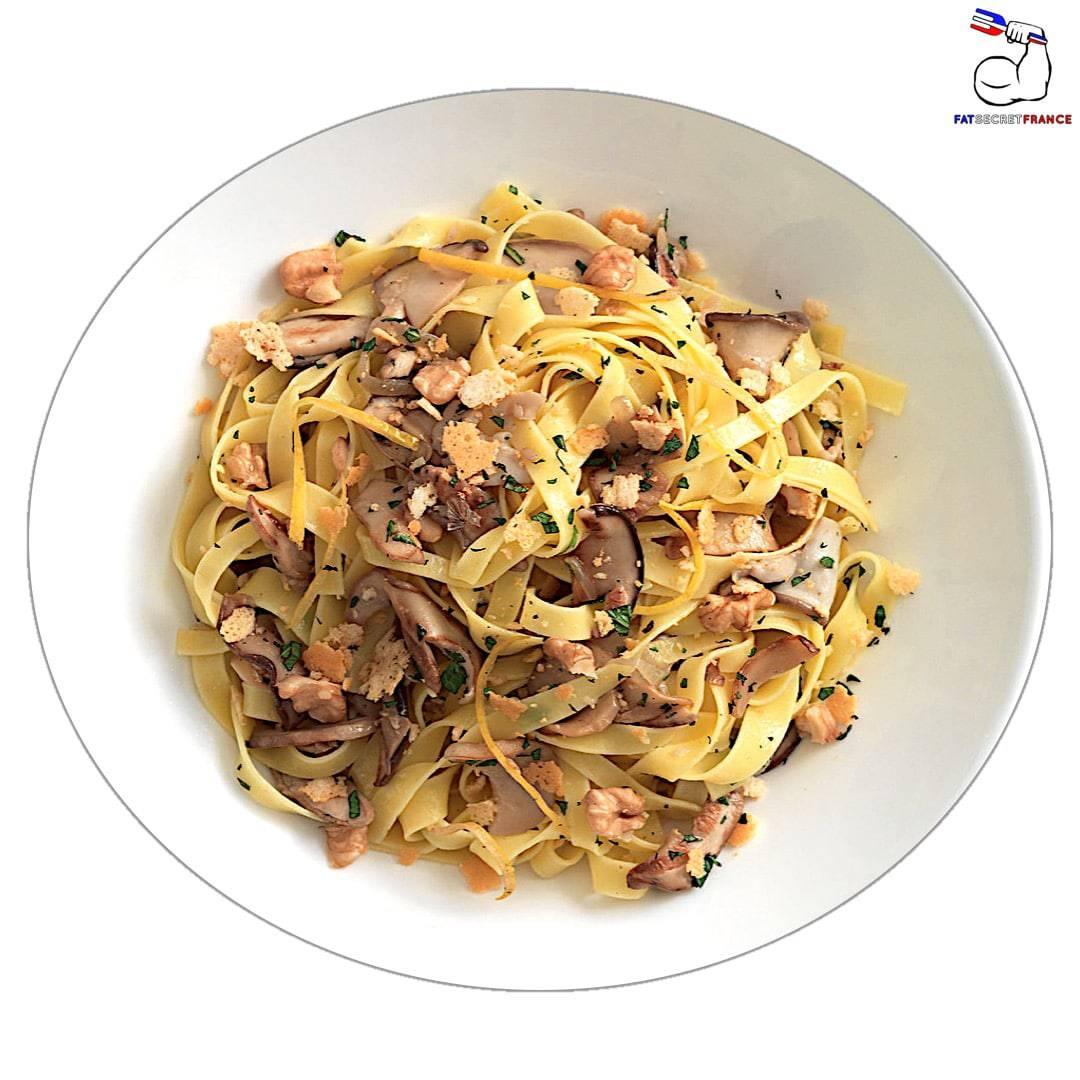 Spaghettis aux champignons et fromage blanc